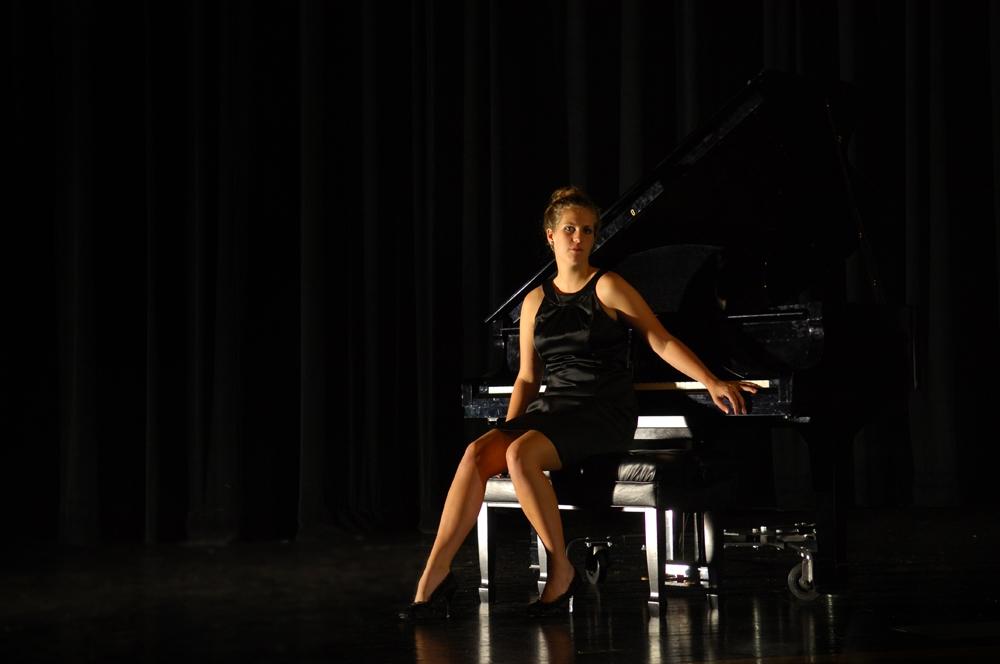 Senior Pictures - Studio - Piano