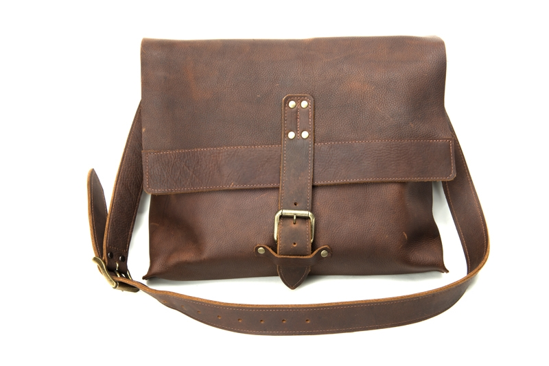 Columbus Ohio Product Photography - Robert Mason Leather Bag Closed