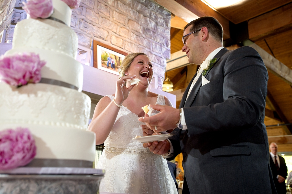 Wedding Photography - Cake Cutting