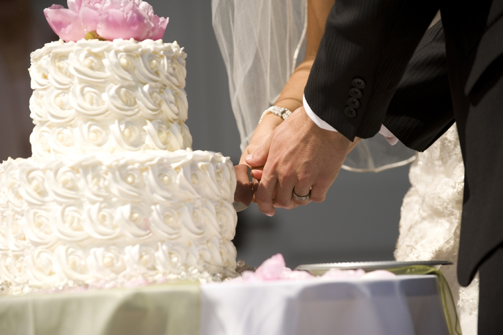 Wedding Photography - Cutting the Cake