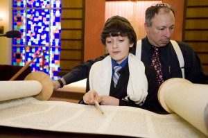 Joshua_bar_mitzvah_04012011_0270_edit